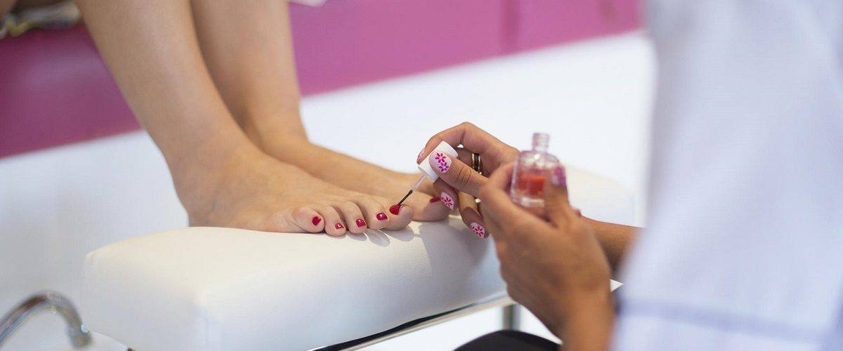 the-9-thoughts-every-woman-has-during-a-pedicure-1200x500-1